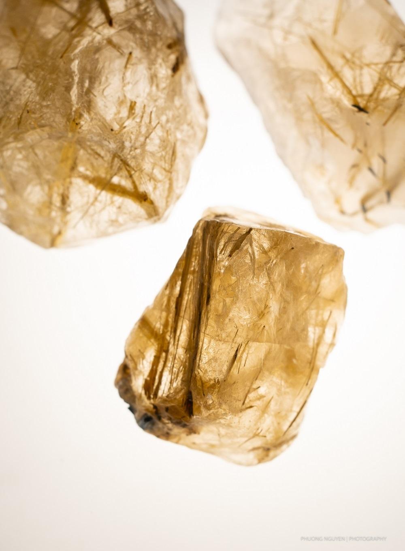 đá thạch anh tóc vàng tự nhiên cao cấp