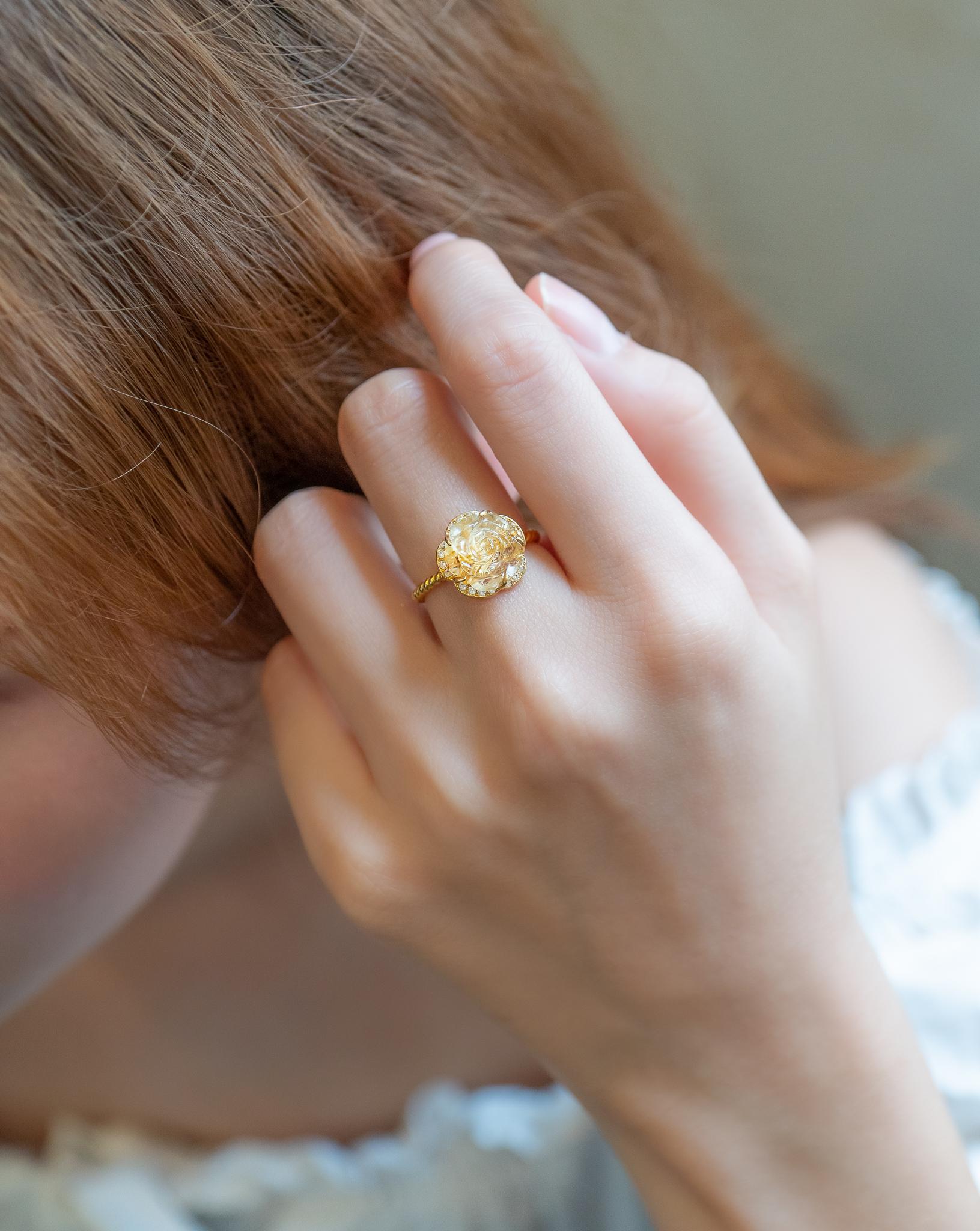 Mệnh Thổ nên đeo nhẫn ngón nào để GIÀU SANG SUNG TÚC