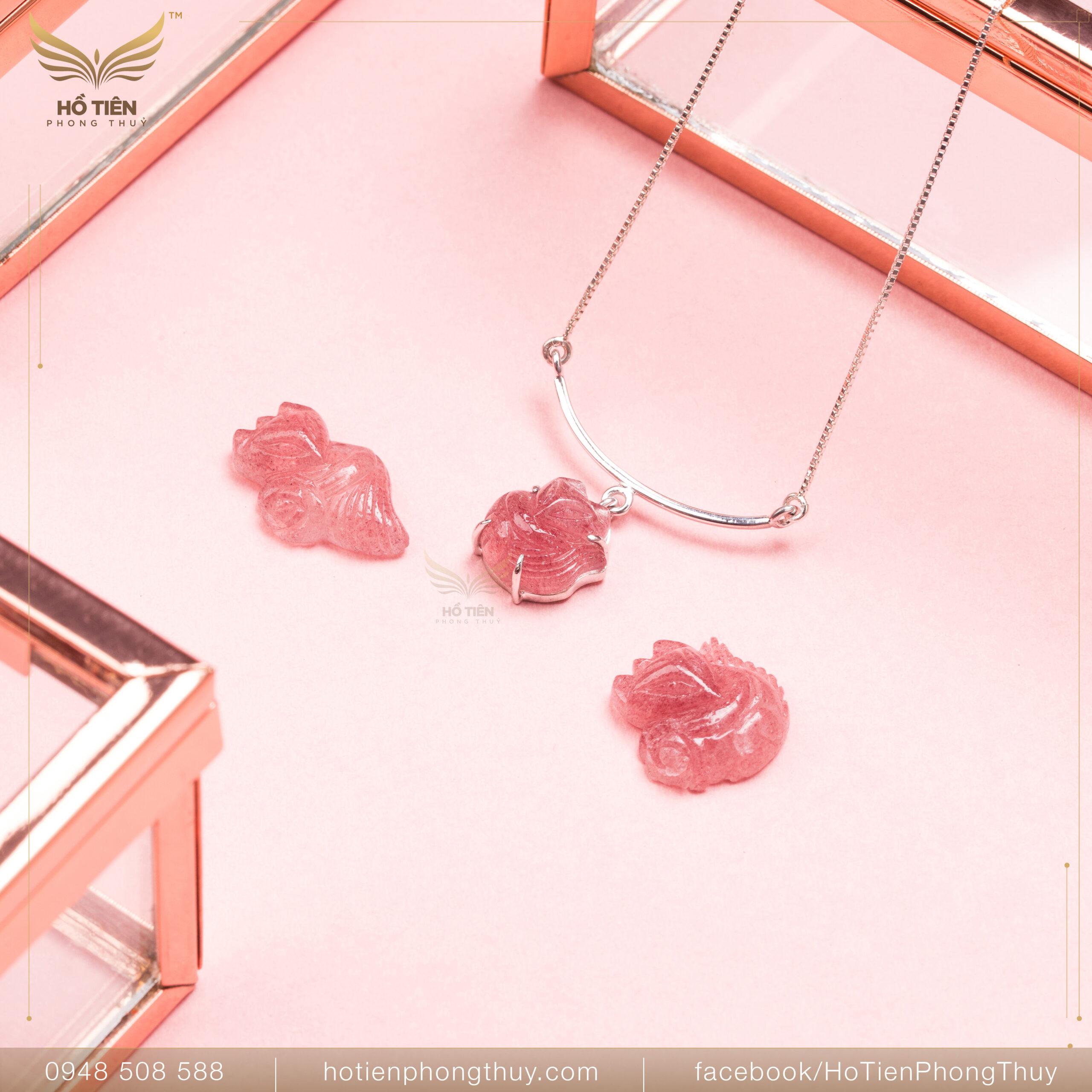 Đá hồ ly ôm hoa mẫu đơn ruby