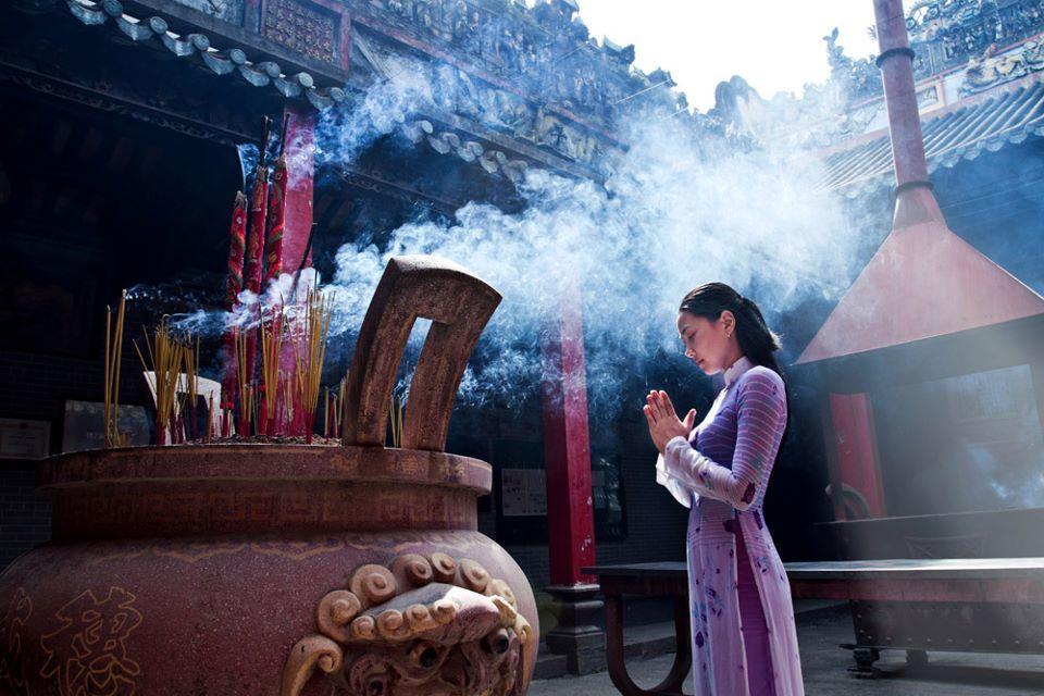 Kinh cầu duyên khi đi chùa linh nghiệm