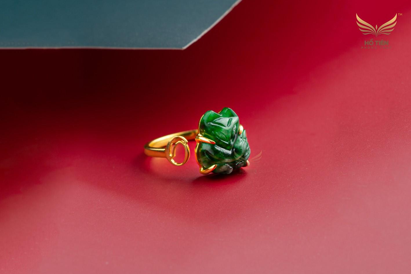 Bạn có muốn mua mẫu nhẫn hồ ly cẩm thạch đá xanh đẹp tinh xảo