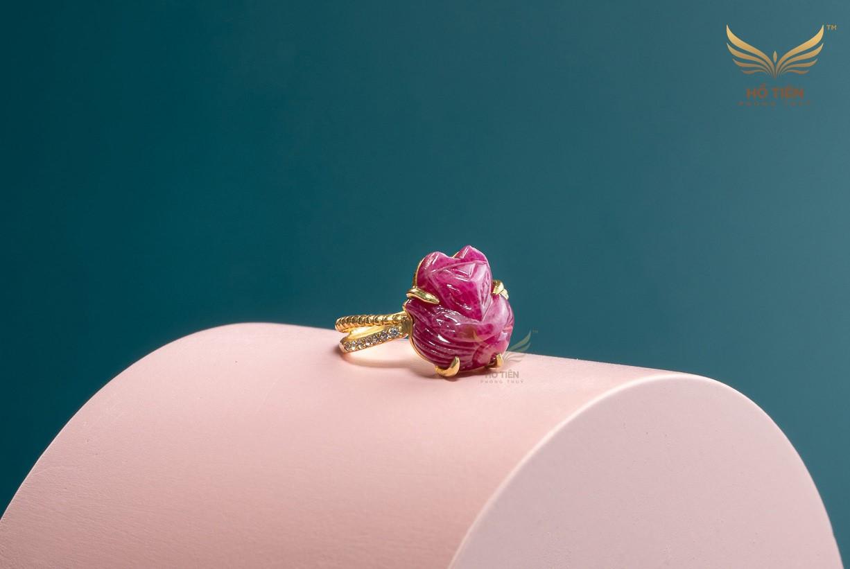 Mẫu nhẫn hồ ly đá ruby hồng mới nhất tại HCM
