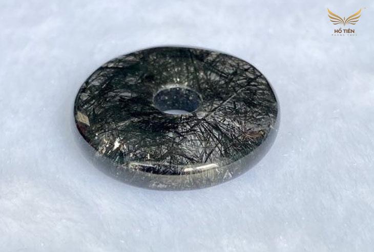Có nên đeo sản phẩm đá Thạch Anh mang đặc điểm tự nhiên